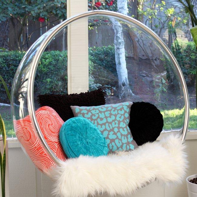 7 Bold DIY Pillow Ideas & 7 Bold DIY Pillow Ideas   Brit + Co. pillowsntoast.com