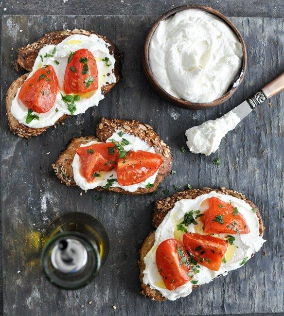 Whipped Feta and tomato crostini via howsweeteats.com